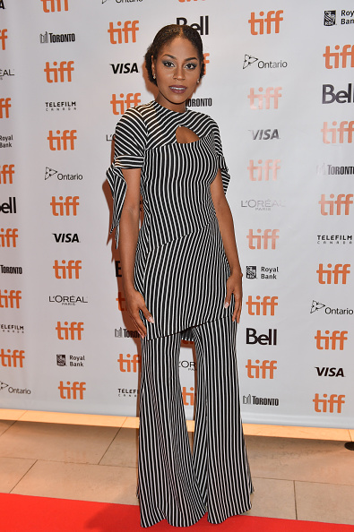 Actress Somkele Idhalama looking gorge.